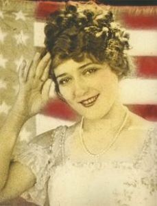Mary Pickford in The Little American